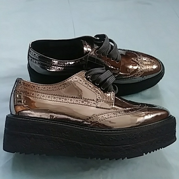 3eb2f29efe51 Prada Wingtip Leather Platform Brogues